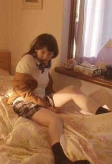 日比美思(20)の性的虐待シーンの制服姿がエロいww【エロ画像】