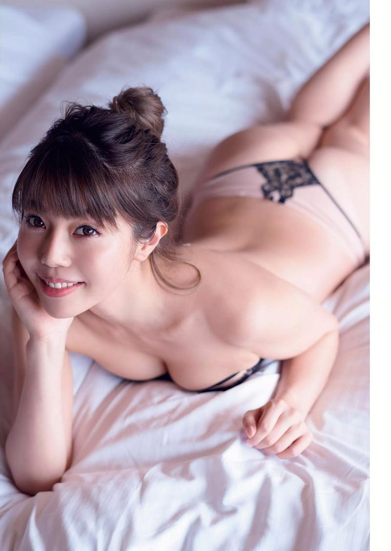 住谷杏奈(34)レイザーラモンHGの妻のセミヌードが抜けるww【エロ画像】
