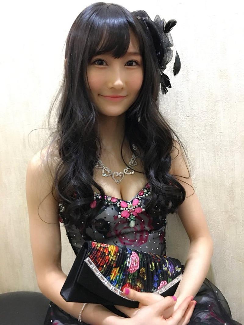 NMB48矢倉楓子(19)キャバすか学園でクッソエロいキャバ嬢ドレスの胸チラがけしからんふうちゃんのエロ画像