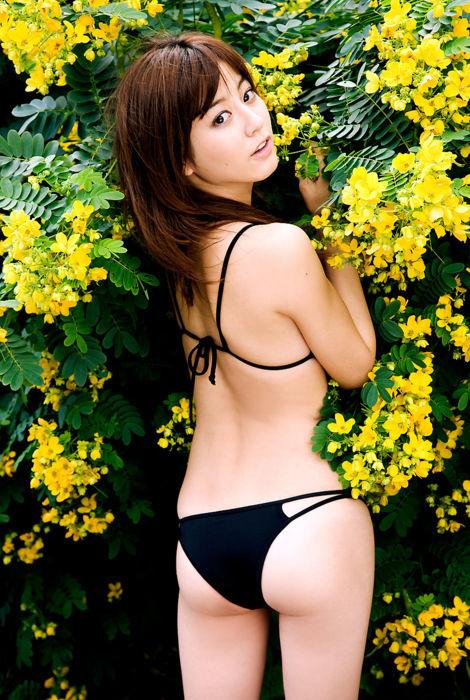 高梨臨(28)美人な女優さんの水着姿のプリケツがぐうシコww【エロ画像】