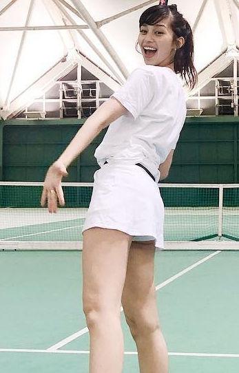 中条あやみ(21)のハミパン美脚がぐうシコww【エロ画像】