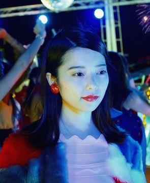 島崎遥香(22)卒業曲のMVでぱるるが劣化しててブサいwwこの勘違い女卒業して大丈夫なん?ww【エロ画像】