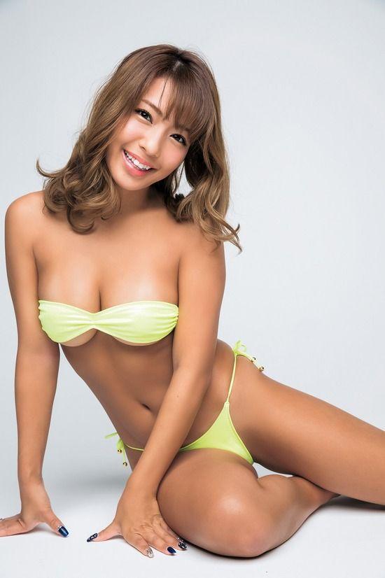 橋本梨菜(24)日本一黒いグラドルの最新グラビアがぐうシコww【エロ画像】