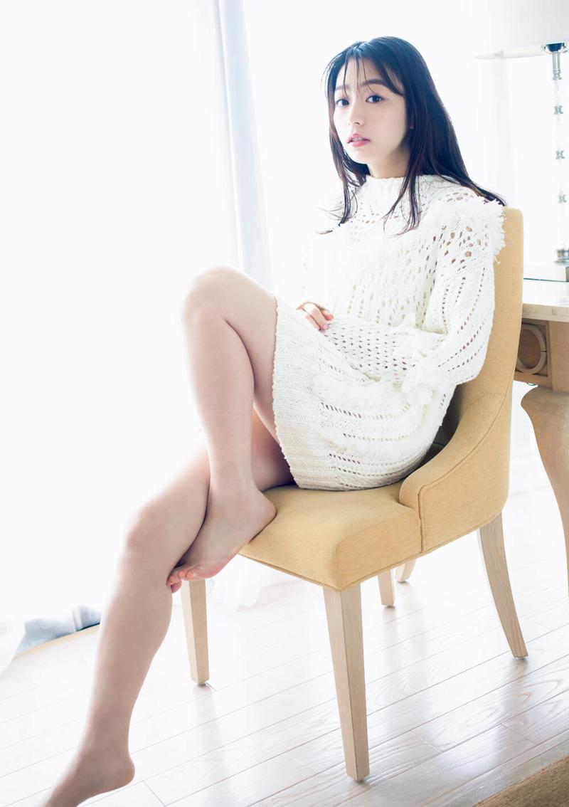 宇垣美里(28)の美脚太もも全開の写真がエロいww【エロ画像】