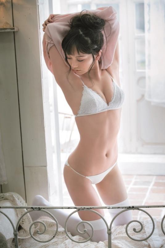三城千咲(27)超絶神ボディのトップレースクイーンの抜けるエロ画像ww