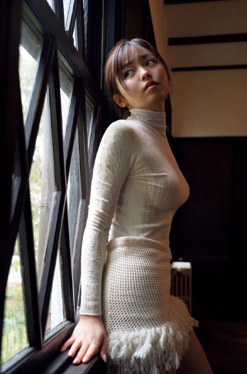今泉佑唯(20)の最新着衣巨乳グラビアがぐうシコww【エロ画像】