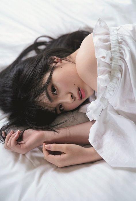 大園桃子(19)の透明感溢れるセクシーグラビアがエロいww【エロ画像】