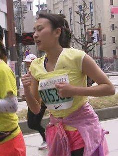 名古屋のマラソンで浅田舞が乳揺らしてるぞ【エロ画像】