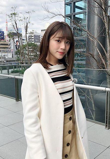 貴島明日香(23)の着衣ニットや水着姿がエロいww【エロ画像】