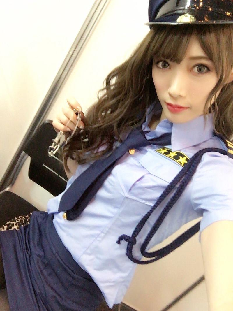 赤井沙希(30)赤井英和の娘がスレンダー美女で意外とエロいww【エロ画像】