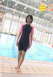 望木聡子アナ(26)の競泳水着姿のお尻がエロいww【エロ画像】