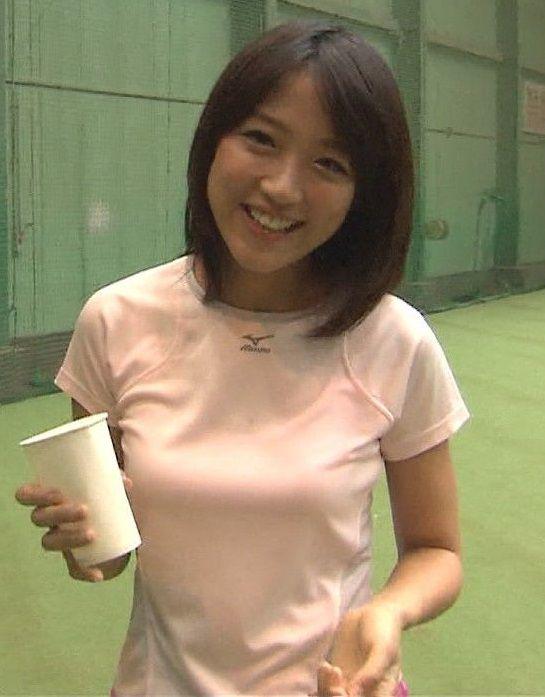 竹内由恵アナ(28)が胸揺れビチョビチョにwww【エロ画像】