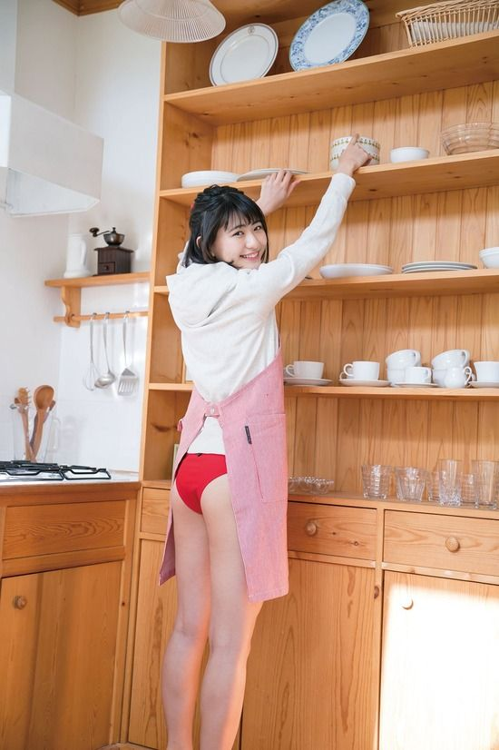 山田南実(17)のプリケツの水着グラビアがクッソエロいww【エロ画像】