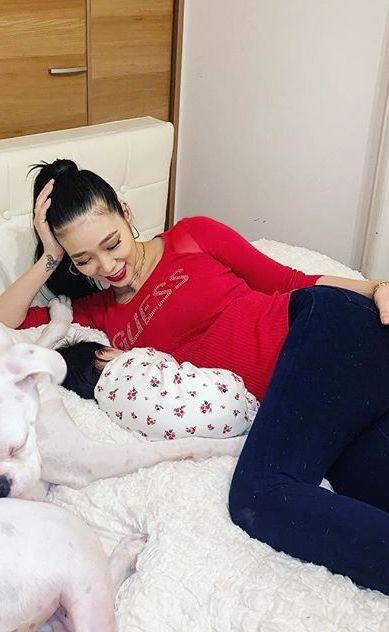 紅蘭(29)の子持ち妻の爆乳がクッソエロいww【エロ画像】