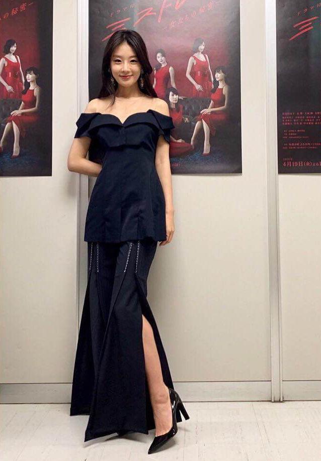 玄理(32)のセクシーなドレス姿がエロいww【エロ画像】