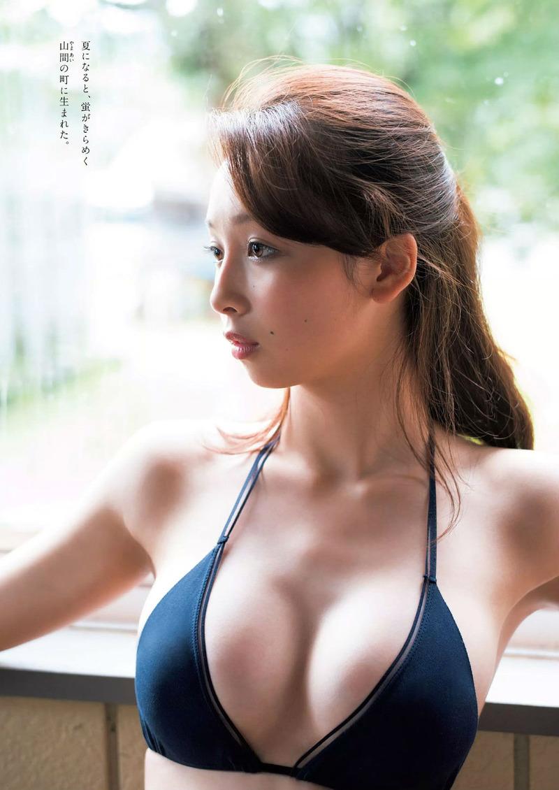 華村あすか(18)新人グラドルがスレンダー美女でエロいww【エロ画像】