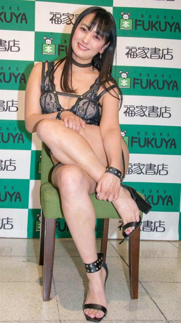 脊山麻理子アナ(37)SM嬢っぽい変態ボンテージ姿がクッソエロいww【エロ画像】