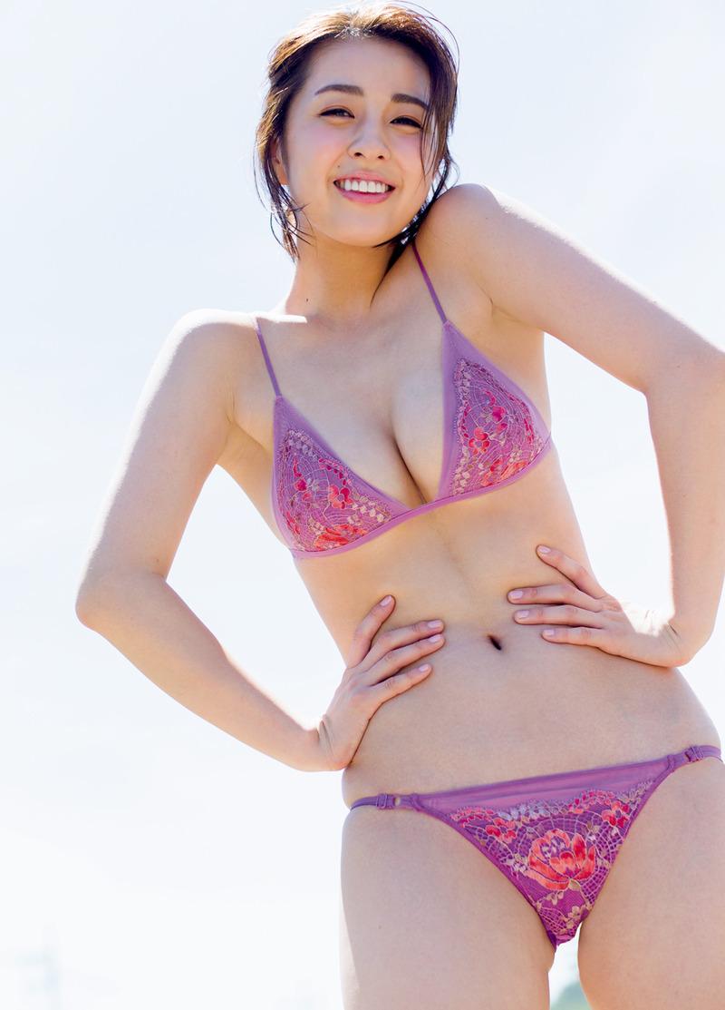 柳ゆり菜(24)の美乳がたまらん最新水着グラビアww【エロ画像】