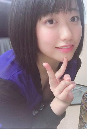 こぶしファクトリー和田桜子(17)の胸チラおっぱいがエロいww【エロ画像】