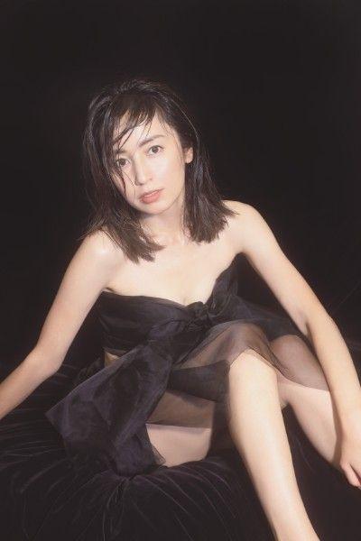 矢田亜希子(40)の色気ムンムンの最新グラビアがエロいww【エロ画像】