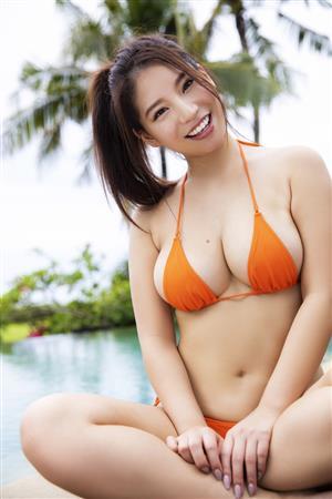 久松かおり(23)のGカップがたまらない卑猥水着姿ががぐうシコww【エロ画像】