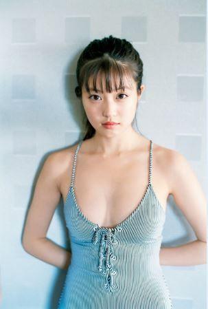 今田美桜(21)の美乳おっぱいがけしからんグラビアが抜けるww【エロ画像】