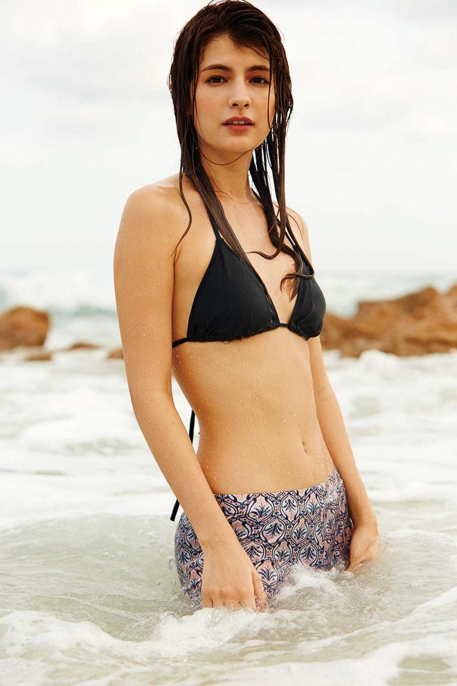 モデル・マギー(22)の最新水着グラビアが破壊力抜群www美脚と尻が最高【エロ画像】
