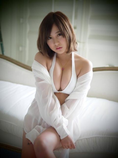 小野恵令奈(23)元AKBの水着姿がめちゃくちゃエッチww【エロ画像】