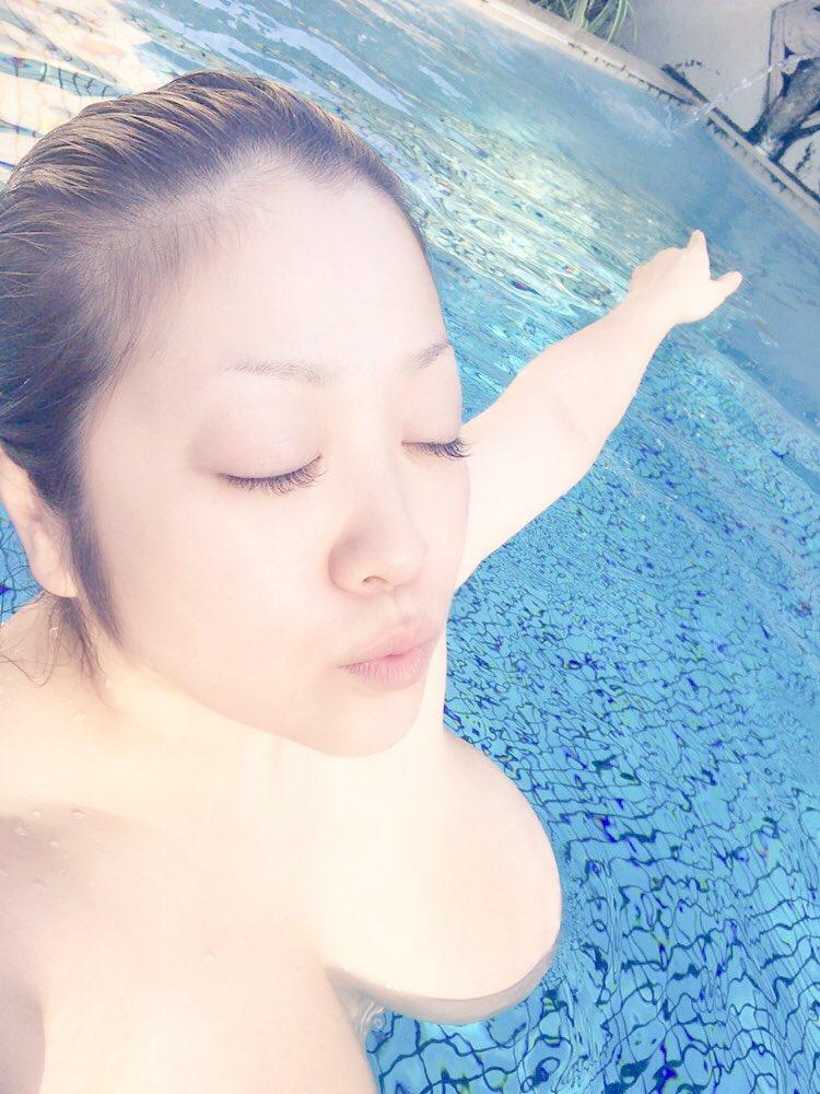 小向美奈子(32)誰得感あるHカップ生乳の自画撮りww【エロ画像】