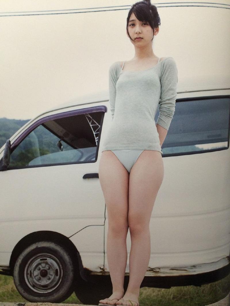 HKT松岡菜摘(19)の1st写真集「追伸」がエロい!色白のムチムチ太ももとプリケツがたまらん【エロ画像】