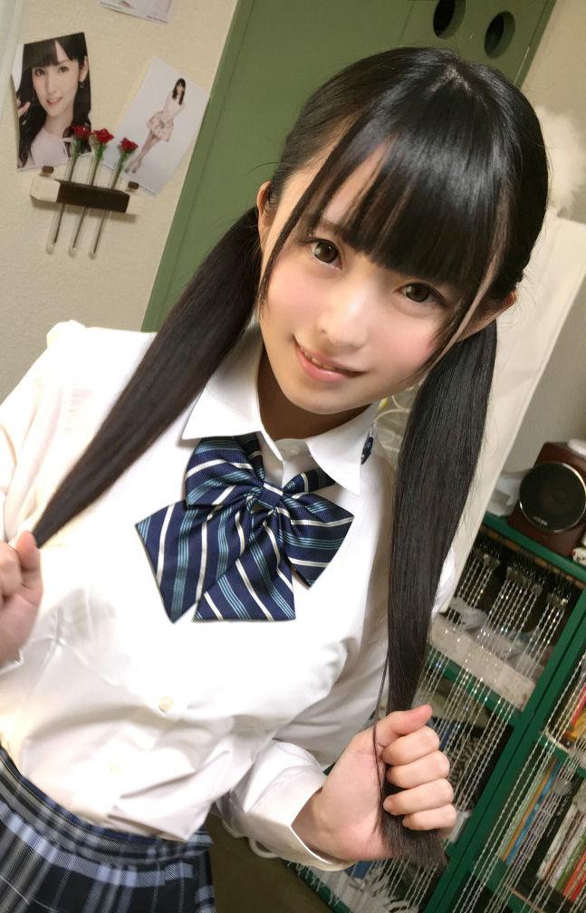 Youtuberきらり(20)アイドル志望のロリ娘がなかなかエッチww【エロ画像】