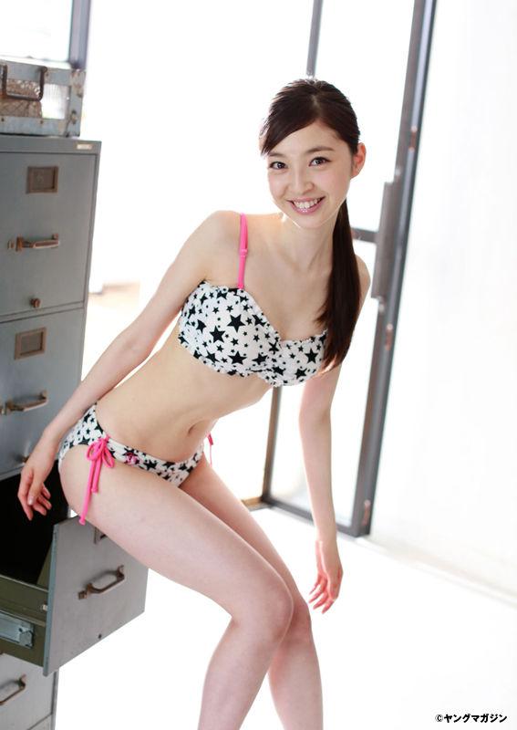 TPDが誇る圧倒的美少女・上西星来(18)が色白スレンダーで美しすぎるwww美脚に擦りつけたい【エロ画像】